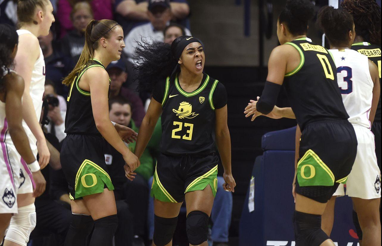 Oregon marca territorio ante UConn