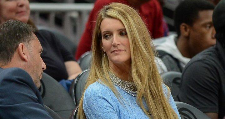 Las jugadoras de la WNBA se muestran en contra de Kelly Loeffler