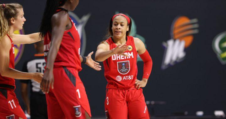 Chennedy Carter, la jugadora más joven de la historia en superar los 30 puntos