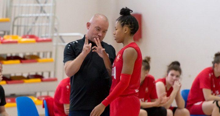 Sug Sutton, última elección del WNBA Draft 2020, destapa su potencial en la liga polaca