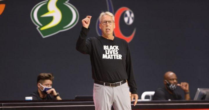 Brian Agler no seguirá siendo entrenador de las Dallas Wings