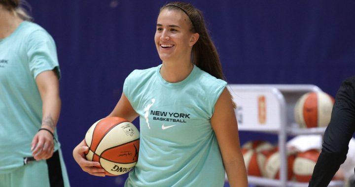 Sabrina Ionescu se plantea seriamente jugar en el extranjero esta temporada