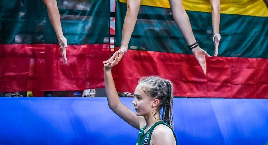 Justė Jocytė cada vez da mejores sensaciones y todavía tiene 14 años