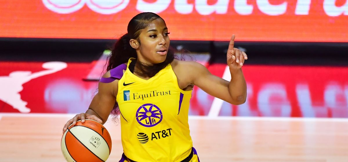 Los Angeles Sparks firman a Te'a Cooper
