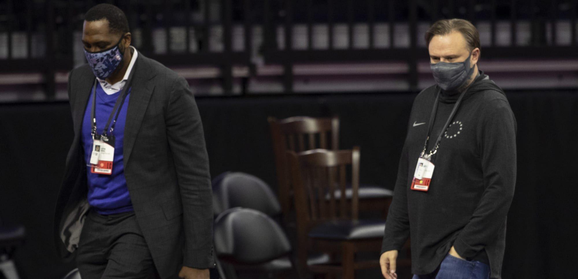 ¿Cuáles son los problemas que tienen los Philadelphia 76ers actualmente?