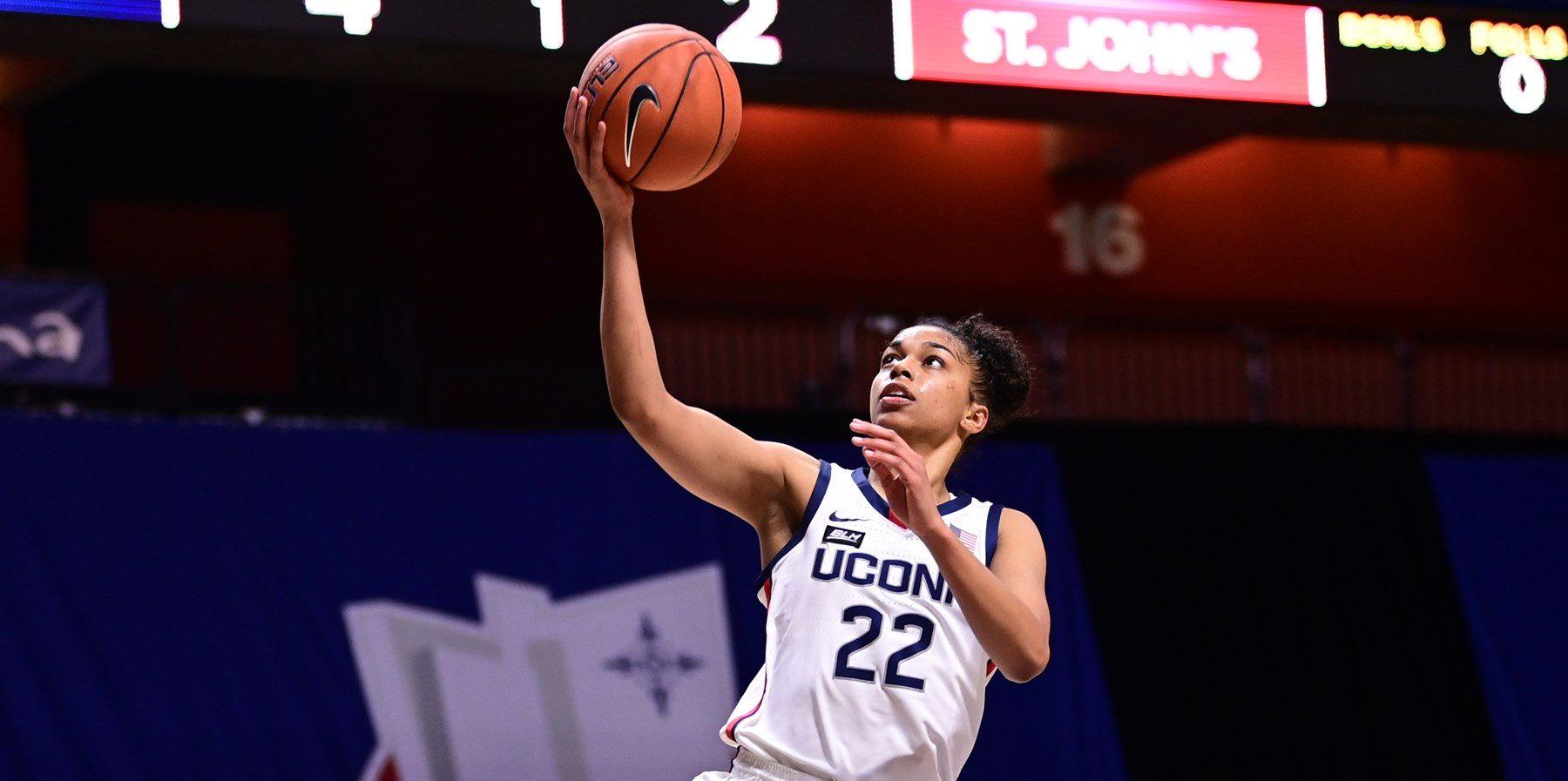 Evina Westbrook no irá a la WNBA y se queda una temporada más en UConn
