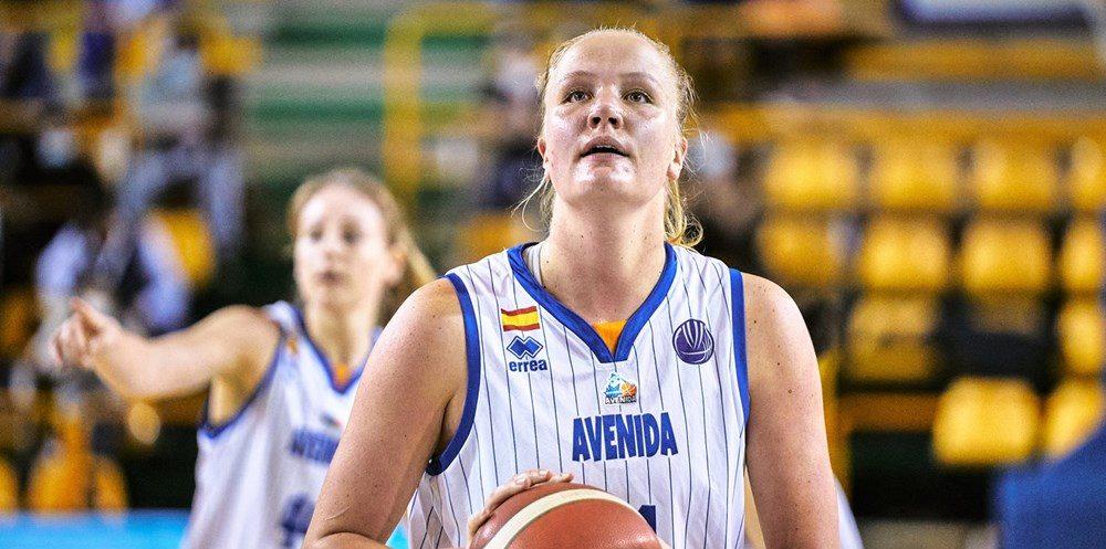Emese Hof continuará jugando de local en Salamanca