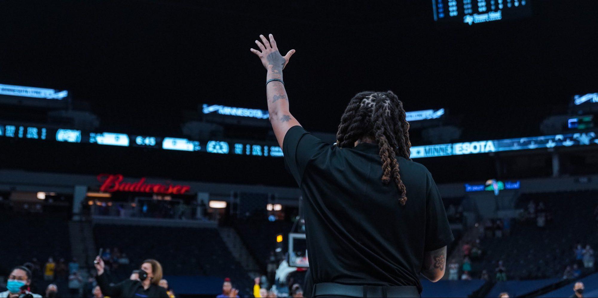 Minnesota homenajea a una de sus leyendas y retirará el dorsal '33'