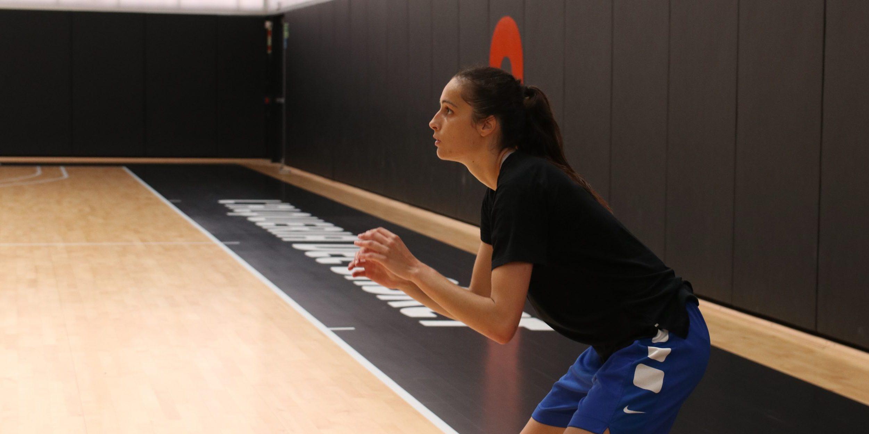 Ángela Salvadores entrena en L'Alqueria y habla sobre su llegada